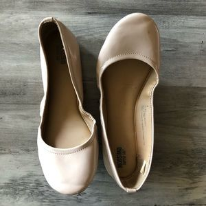 Mossimo Nude Patent Flats 9